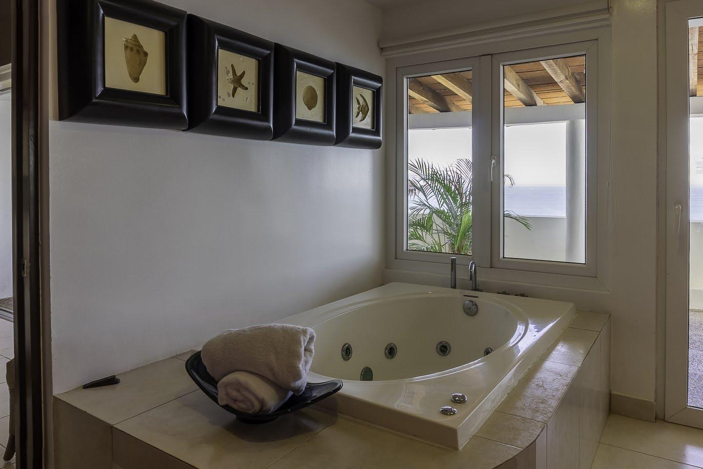 Jacuzzi Beachfront Penthouse Luxury Condo Nuevo Vallarta