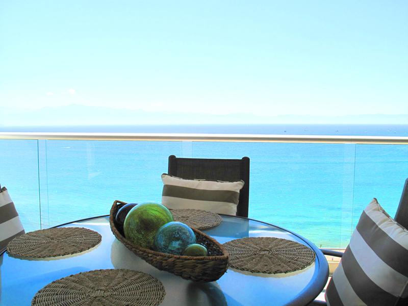 Bucerias-Cruz-Huanacaxtle-Condo-Barlovento-501-for-sale-Balcon-Desayunador-ocean-view