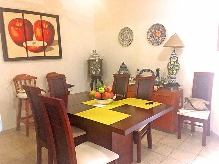 Comedor Casa de dos niveles 3 Recamaras en Ixtapa Jalisco