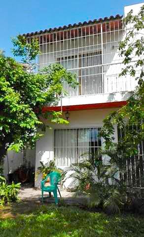 Fachada Posterior Casa de dos Niveles con 3 Recamaras en Ixtapa Jalisco