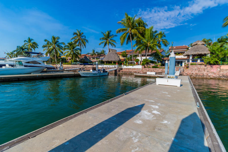 Muelle-setenta-pies-en-Casa Punta Iguana en Marina Vallarta Puerto Vallarta