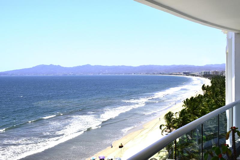 Terraza Condominio con vista al Mar en Venta Villa Magna Nuevo Vallarta