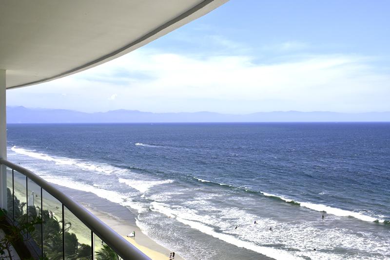 Vista terraza Condominio con vista al Mar en Venta Villa Magna Nuevo Vallarta