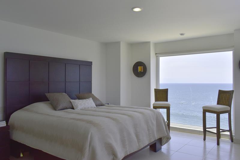 Recámara principal Condominio con vista al Mar en Venta Villa Magna Nuevo Vallarta
