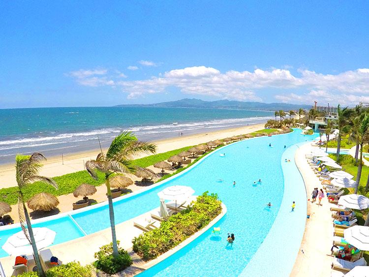 Pool, beach and mountain views-Penthouse Beach-Front Peninsula Nuevo Vallarta Mexico