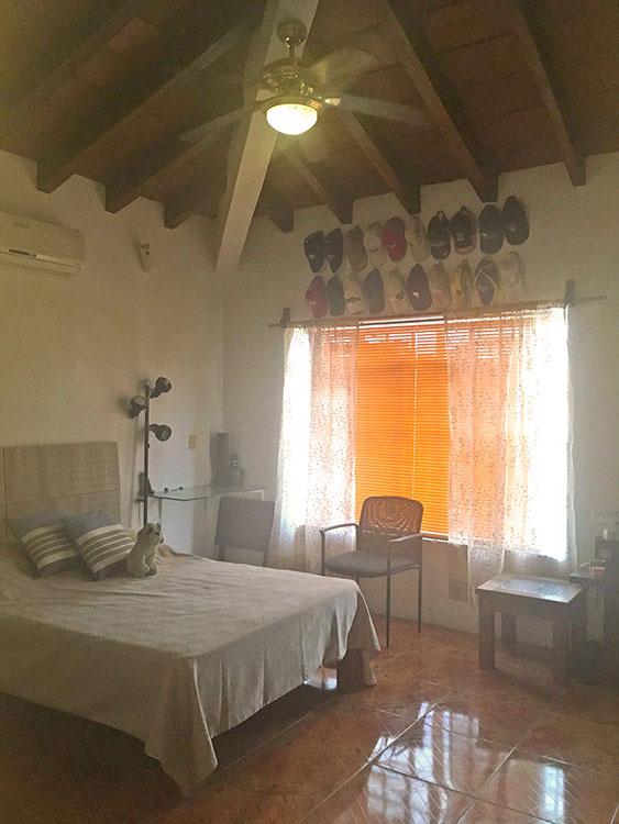 Recamara Casa de dos Niveles con 3 Recamaras en Ixtapa Jalisco
