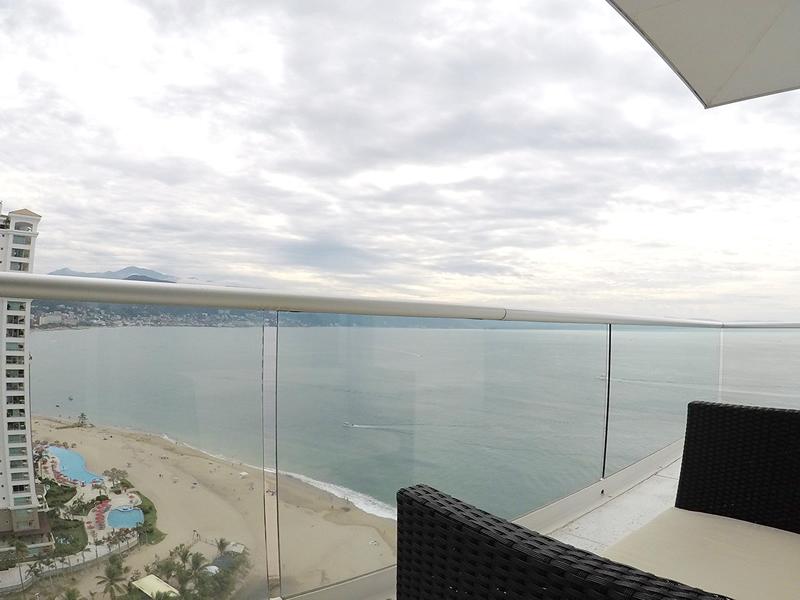 Vista-al-mar-Condominio-en-Venta-en-la-torre-mas-solicitada- Peninsula-Vallarta-Torre-II