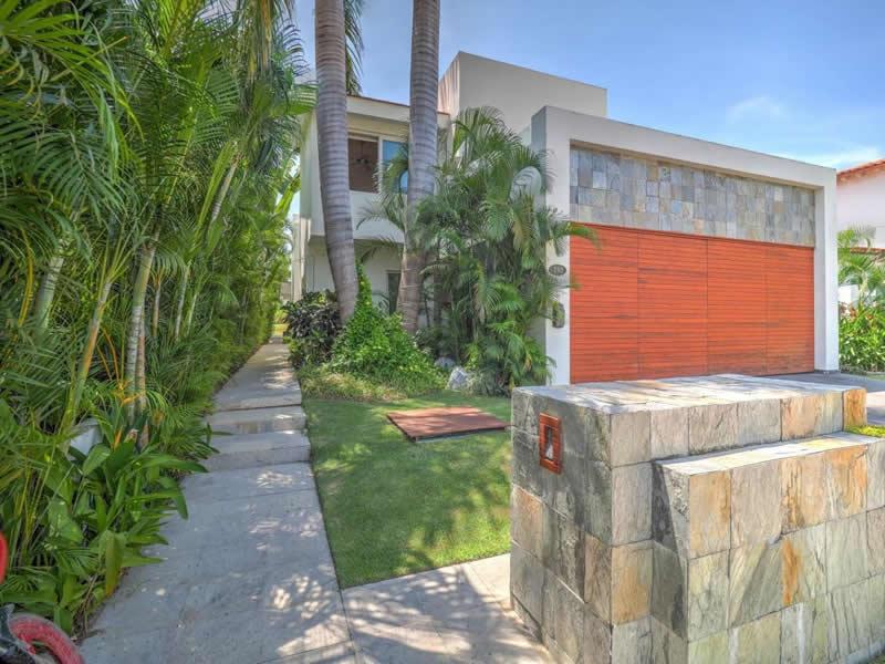Acceso Casa con alberca en venta El Tigre Nuevo Vallarta Nayarit