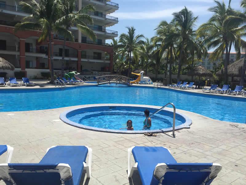 Alberca con jacuzzi Paradise Village El Tigre Golf Country Club Nuevo Vallarta