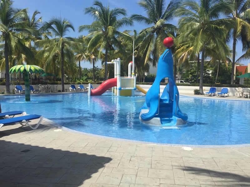 Alberca con juegos para niños Paradise Village El Tigre Golf Country Club Nuevo Vallarta