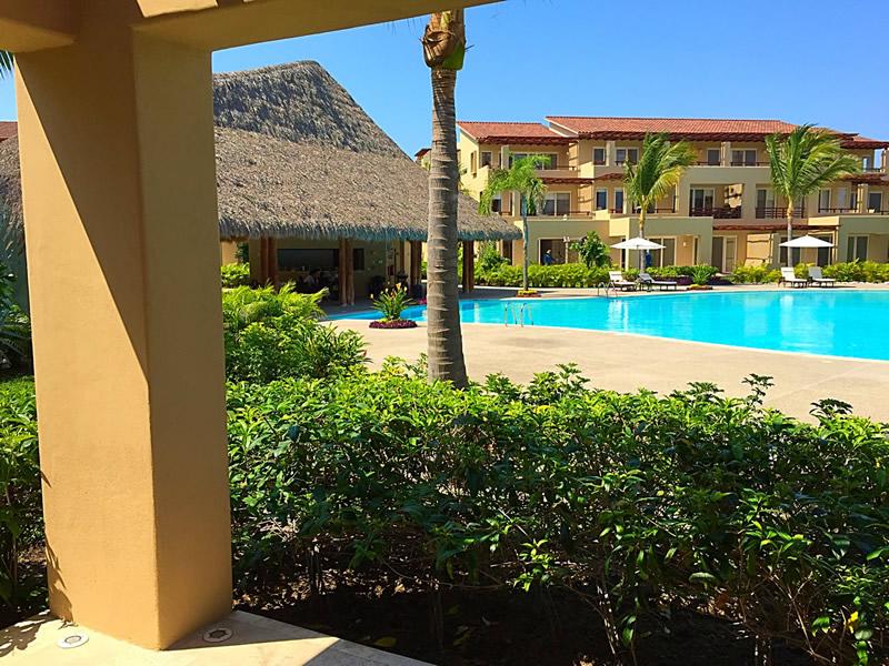 Alberca Condominio Isla Palmares en el Campo de Golf El Tigre en Nuevo Vallarta