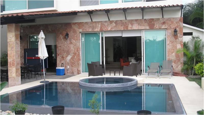 Alberca Villa Jaguar en Paradise Village Golf y Country Club