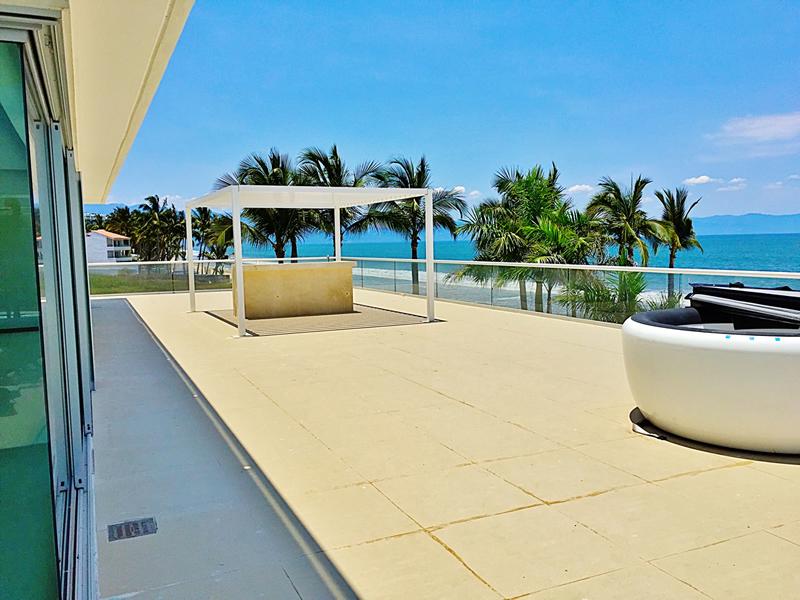 Amplia terraza penthouse en venta Condominio Península en Nuevo Vallarta Nayarit