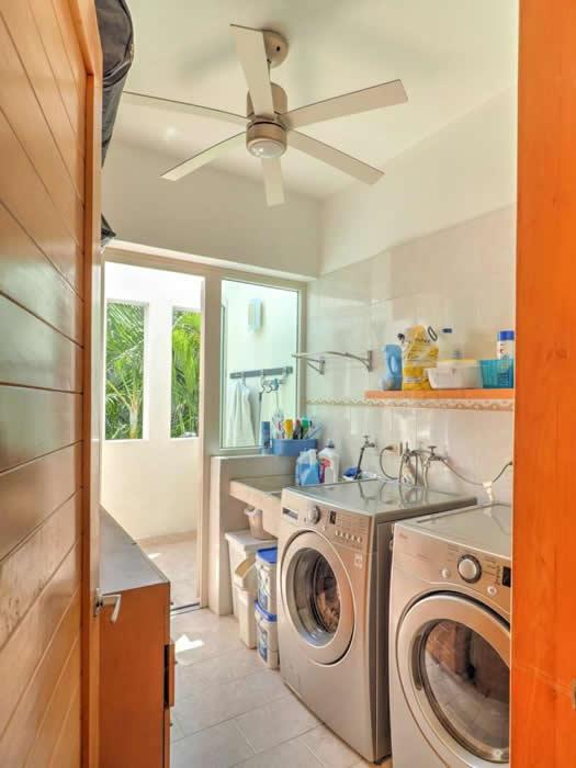 Área de lavado Casa con alberca en venta El Tigre Nuevo Vallarta