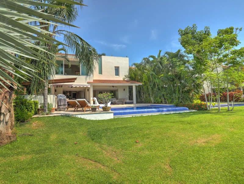 Áreas verdes Casa con alberca en venta El Tigre Nuevo Vallarta