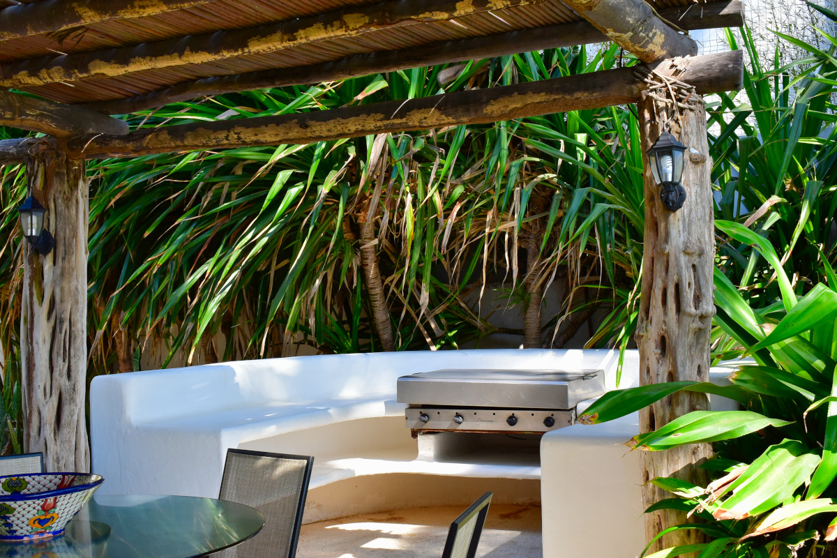 Asador Casa la Palapa frente al mar en venta Nuevo Vallarta