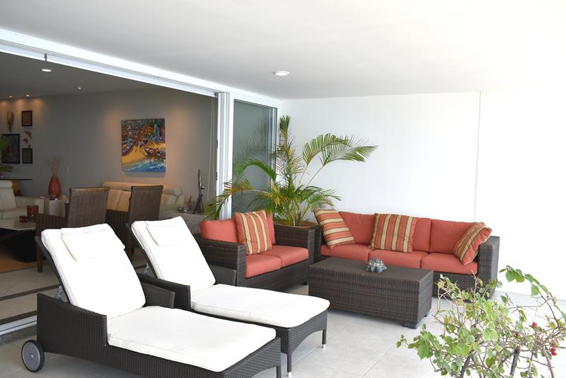 Asoleadores balcón Condominio con vista al Mar en Venta Villa Magna Nuevo Vallarta