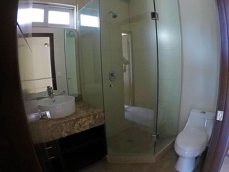 Baño completo Condominio 3.14 Living Plaza Nuevo Vallarta en venta