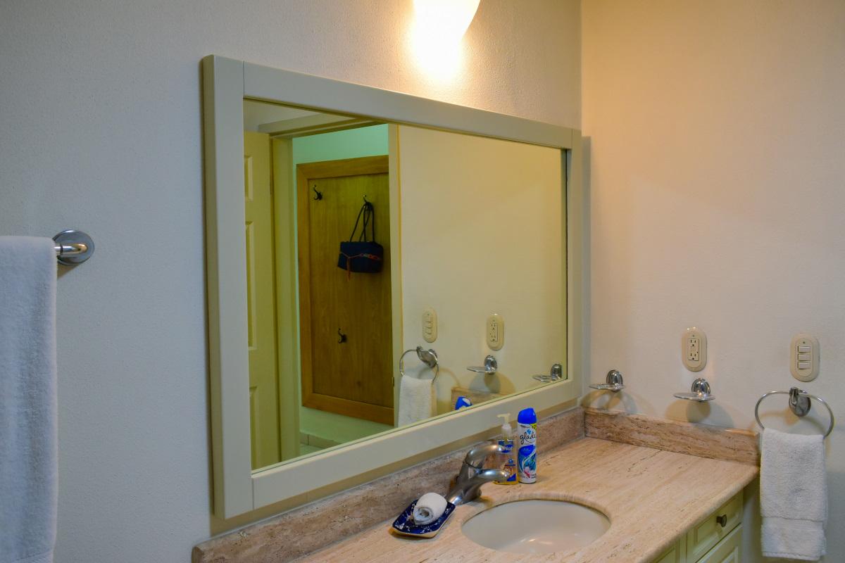Baño Condominio Playa Royale Residence en venta con vista al mar