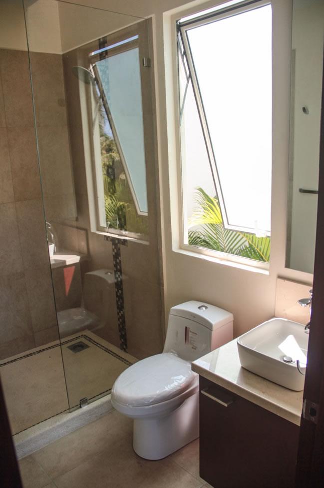 Baño y regadera Villa Jaguar en Paradise Village Golf y Country Club