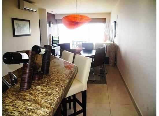 Barra cocina y comedor Baño Balcón Condominio Villa Magna Nuevo Vallarta