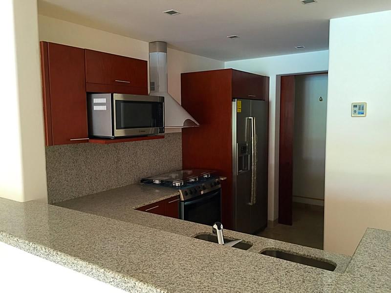 Barra cocina integral Condominio Isla Palmares en el Campo de Golf El Tigre en Nuevo Vallarta