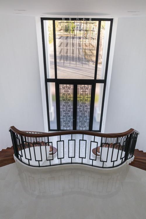 Candelabro escaleras Casa de lujo en venta El Tigre Nuevo Vallarta Nayarit México