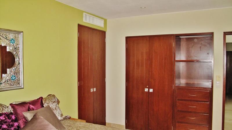 Closet Condominium Punta Esmeralda La Cruz de Huanacaxtle Riviera Nayarit