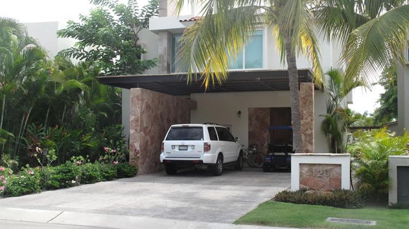 Cochera Villa Jaguar en Paradise Village Golf y Country Club