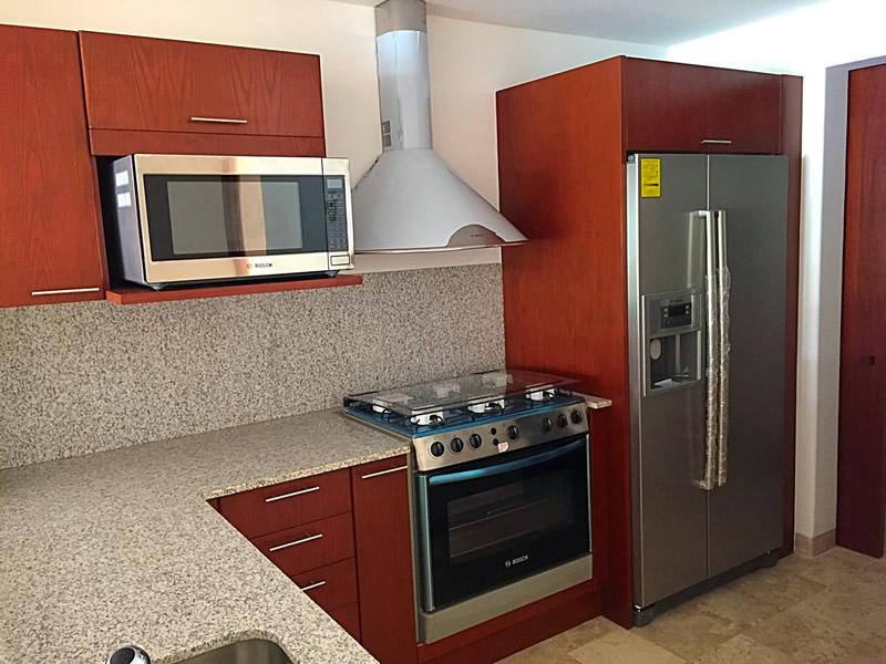 Cocina integral Condominio Isla Palmares en el Campo de Golf El Tigre en Nuevo Vallarta