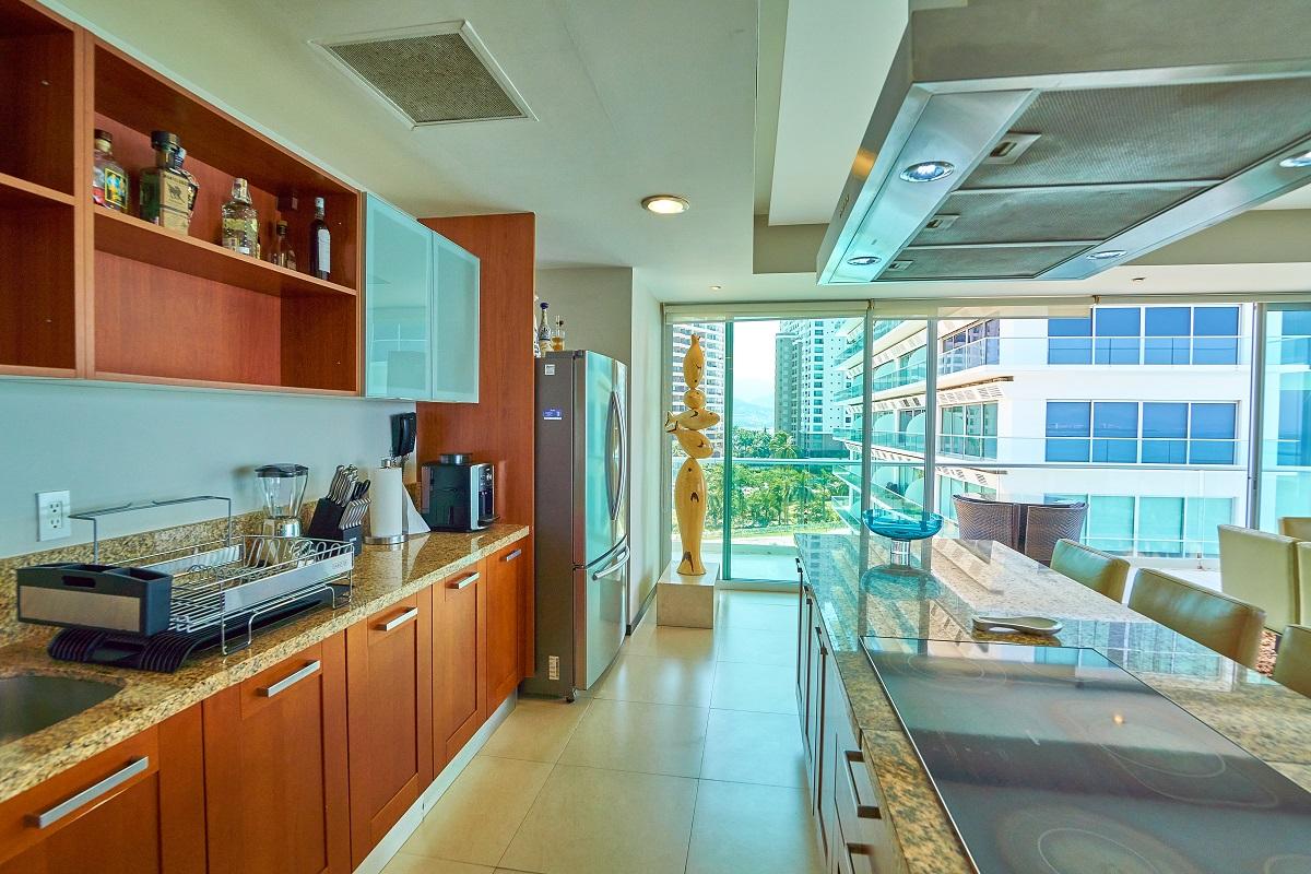 Cocina integral Península Puerto Vallarta Condominio en venta