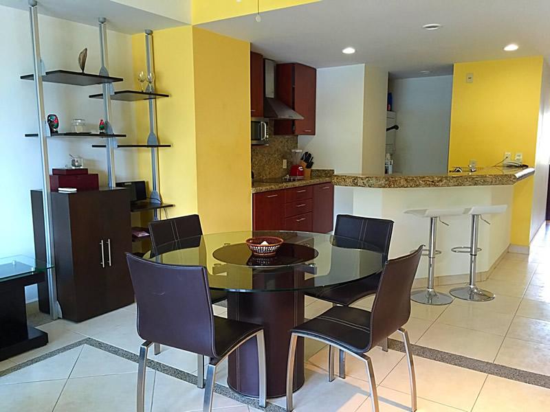 Cocina y comedor Condominio Villa Magna Nuevo Vallarta