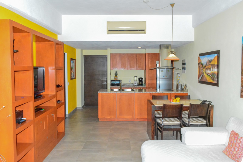 Comedor y cocina Condominio amueblado en venta Living 3.14 Nuevo Vallarta