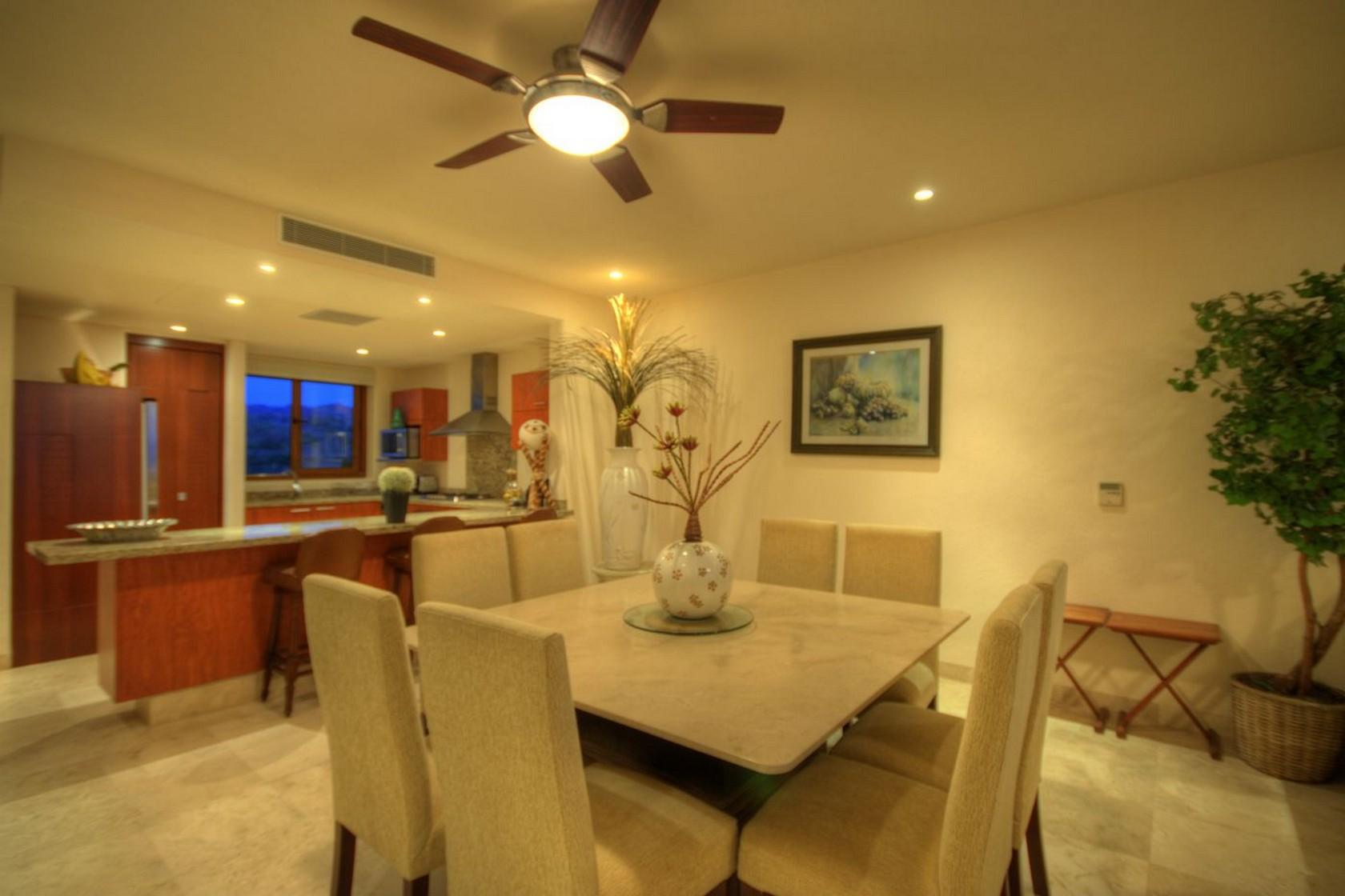 Comedor y cocina Departamento en venta Punta Esmeralda Resort La Cruz de Huanacaxtle
