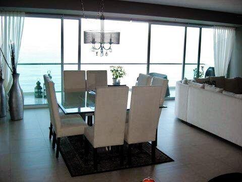 Comedor con vista al mar Condominio Península Puerto Vallarta