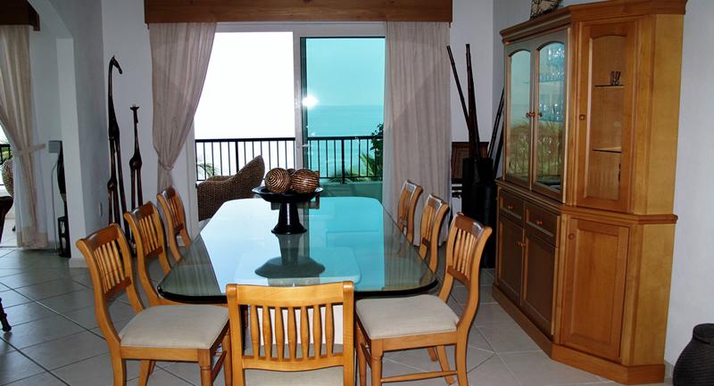 Comedor con vista al mar Condominio Playa Vista Residences en Nuevo Vallarta