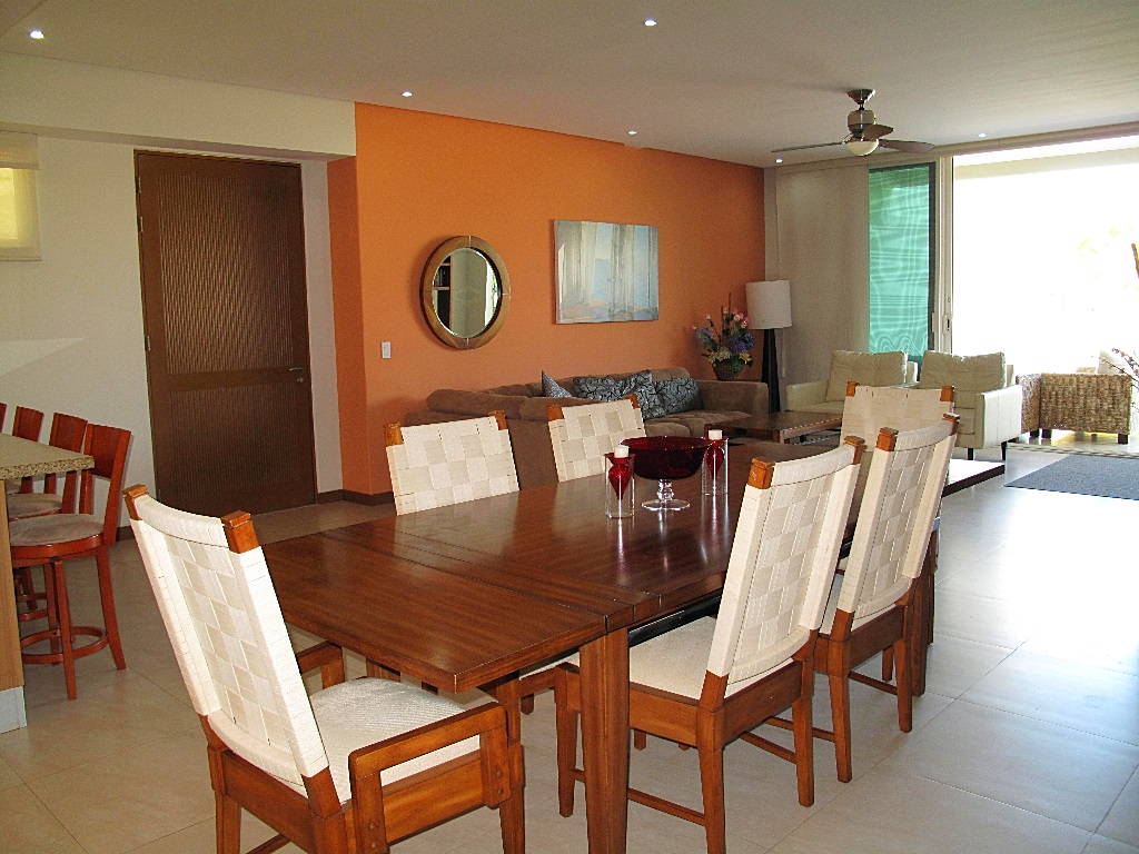 Comedor y sala Desarrollo Península Golf Condominio en venta, El Tigre, Nuevo Vallarta, Nayarit, México