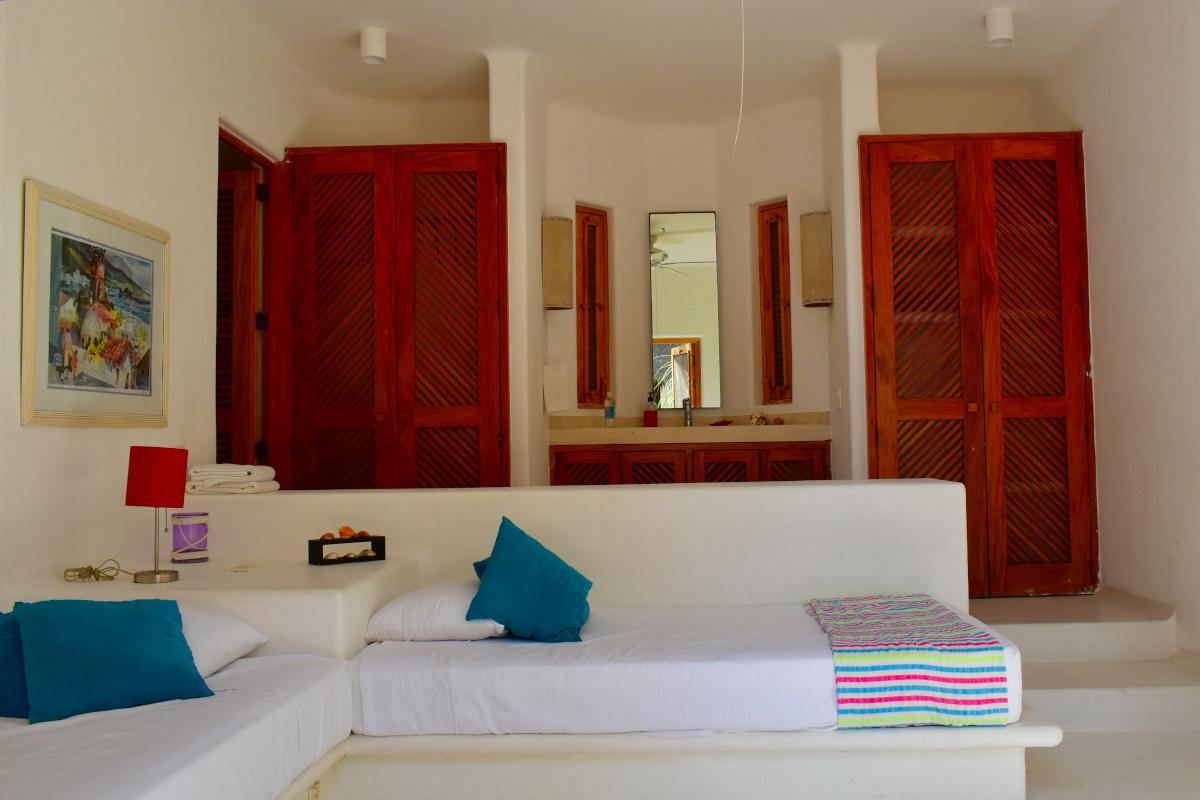 Cuarto Casa la Palapa frente al mar en venta Nuevo Vallarta