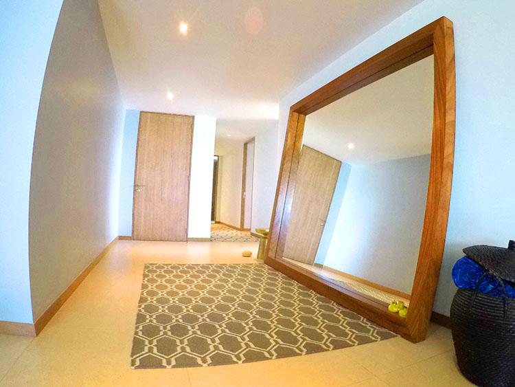 Enorme Espejo de piso a techo- Penthouse frente al mar-Peninsula Nuevo Vallarta Mexico
