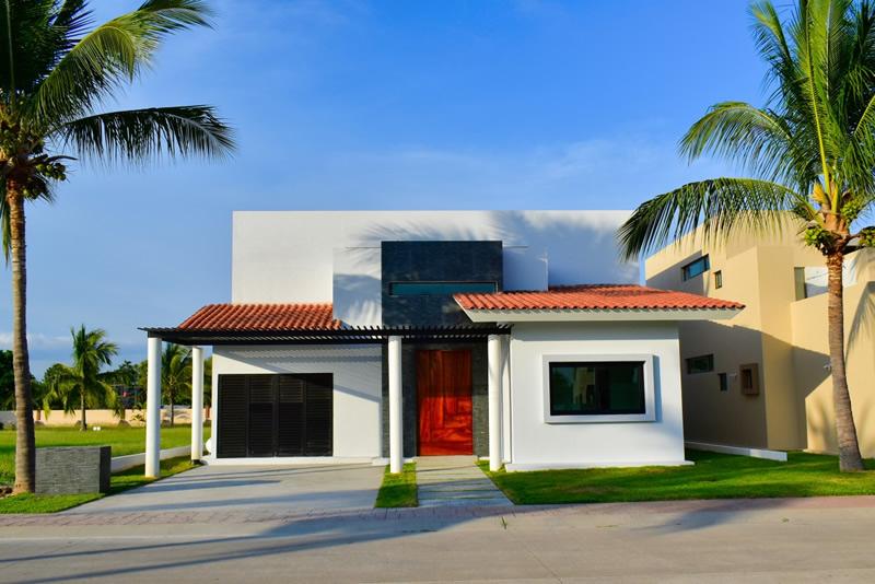 Fachada frente Casa en venta Residencial Los Tigres Nuevo Vallarta