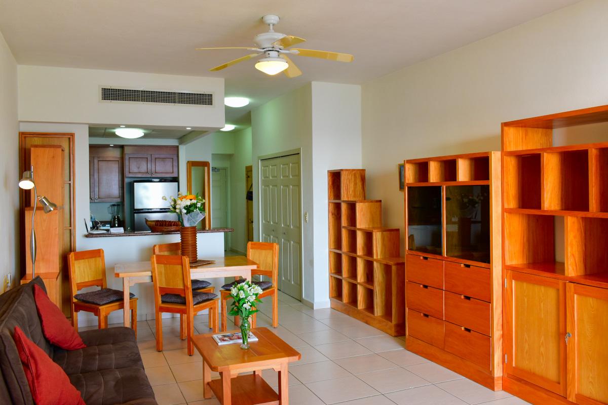 Interior Condominio Playa Royale Residence en venta con vista al mar
