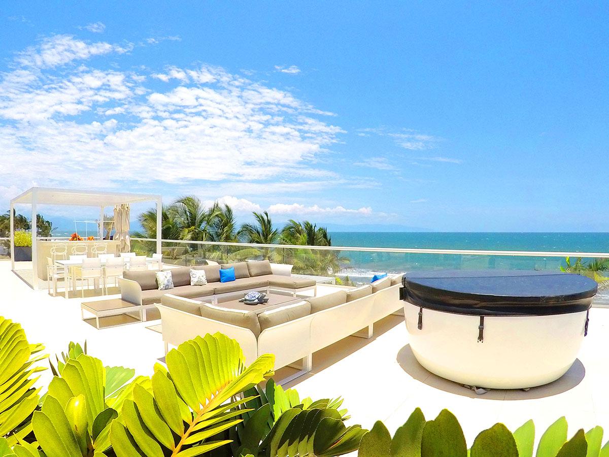 Jacuzzi con Hidromasajea- Penthouse frente al mar-Peninsula Nuevo Vallarta Mexico