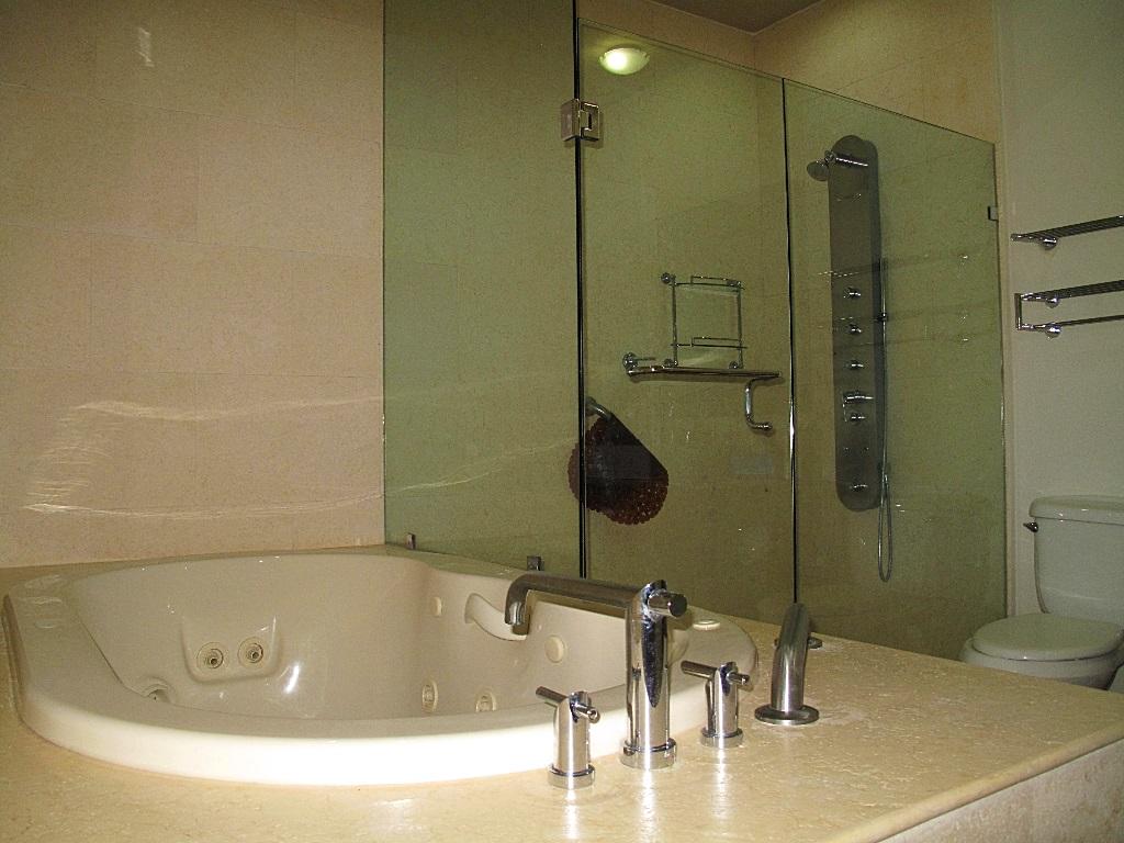 Jacuzzi en baño Desarrollo Península Golf Condominio en venta, El Tigre, Nuevo Vallarta, Nayarit, México