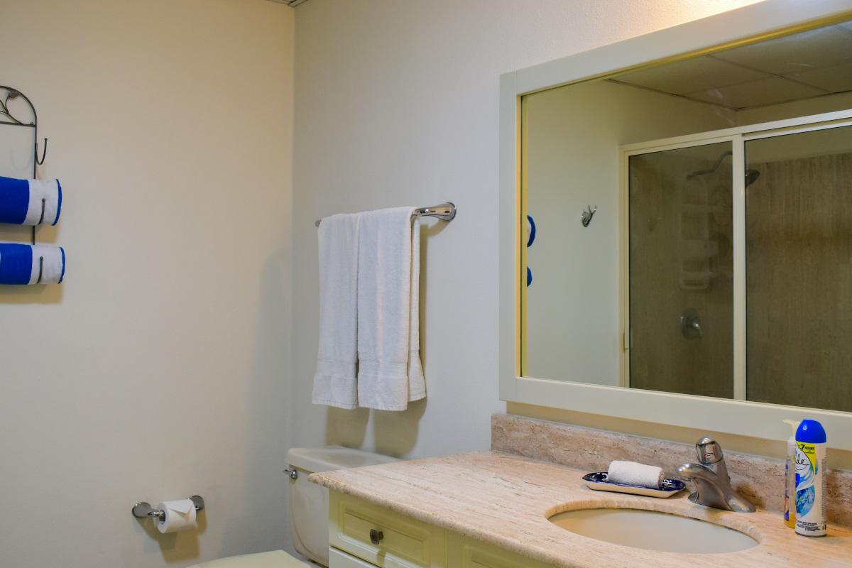 Lavabo Condominio Playa Royale Residence en venta con vista al mar