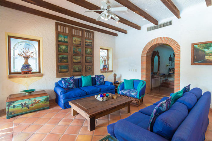 Living-room-villa-punta-iguana-in-marina-vallarta-puerto-vallarta