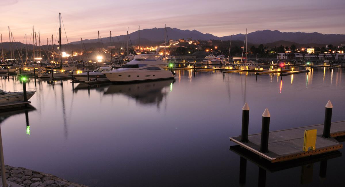 Marina-vallarta-puerto-vallarta-villa-punta-iguana-with-boat-slip