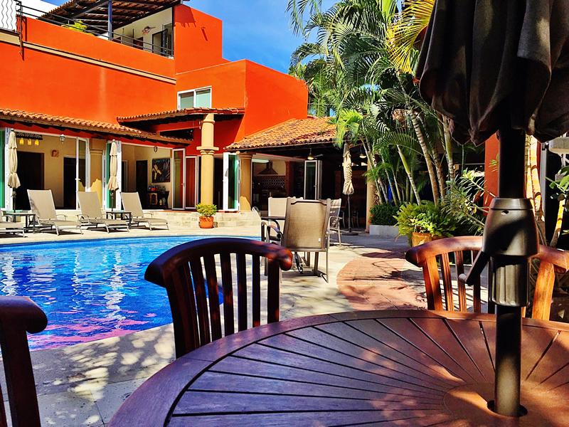 Mesa piscina Villa en bucerías Nayarit Lanigan
