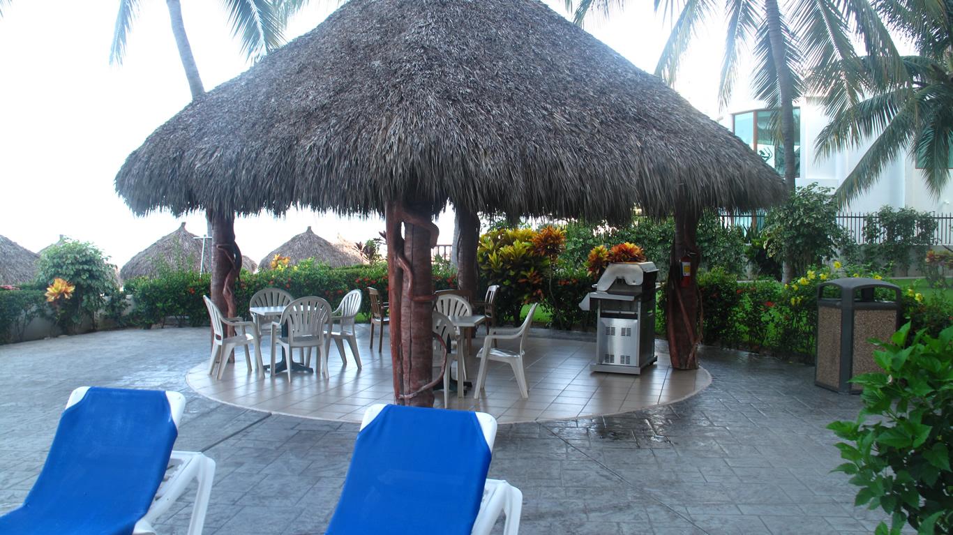 Palapa en alberca Desarrollo Playa Royale en Nuevo Vallarta