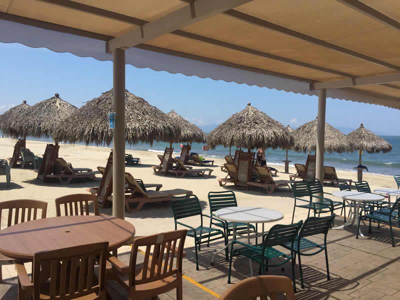 Palapas en playa Paradise Village El Tigre Golf Country Club Nuevo Vallarta