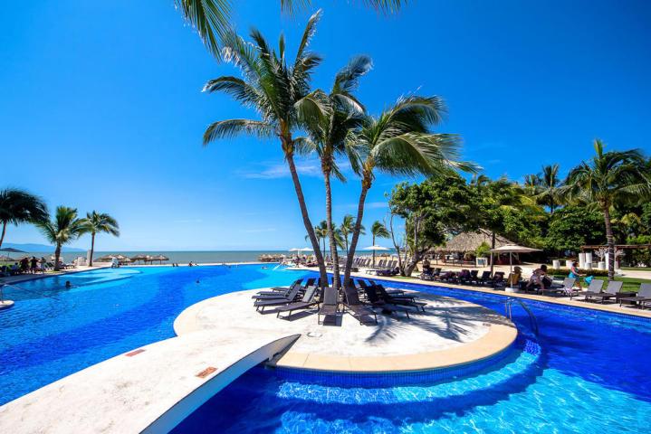 Palms Villa Magna Ground Floor Condominium Beach-Front Nuevo Vallarta